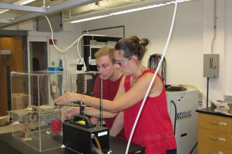 Jackson Miller '19 and Prof. Boekelheide at work in her lab