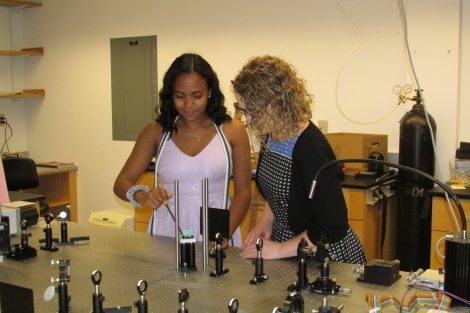 Nia Burrell '19 at work with Prof. Exarhos